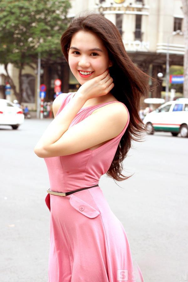 ảnh đẹp Ngọc trinh với đầm hồng vô cùng sexy 14