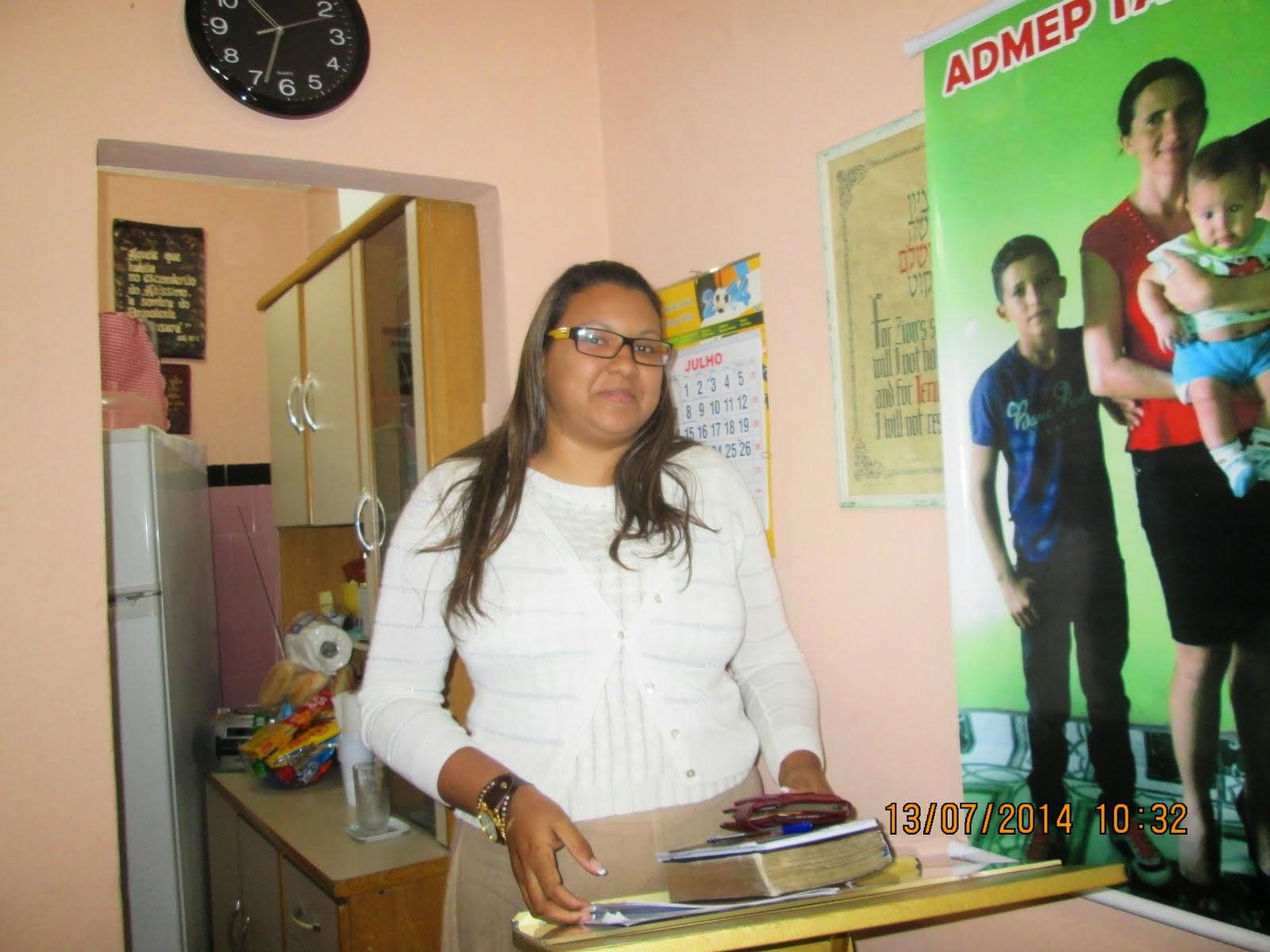 PROFESSORA DANIELLE FERRAZ