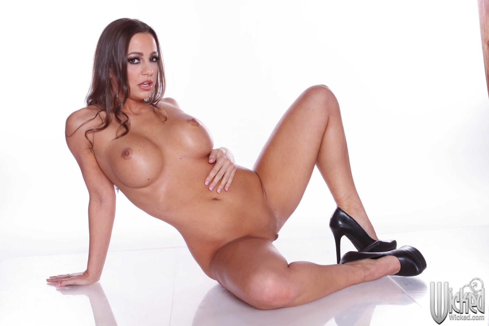 Xxx 25 Porn Star Abigail Mac Nude Photos Naked Sex Porn ...