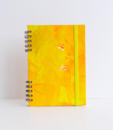 """Cuaderno artesano de Bolsillo A6 . """"YellowSpiral"""". Cuaderno hecho a mano. Cuaderno amarillo"""