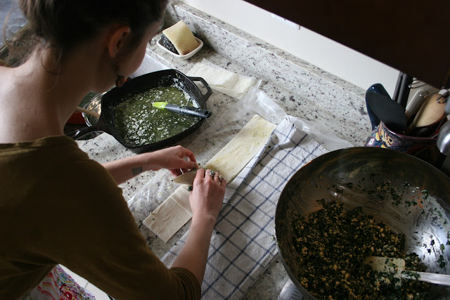 TheKitchenWitch folding Spanakopita
