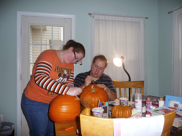 family fun pumpkin carving, pumpkin carving alternative for little kids,