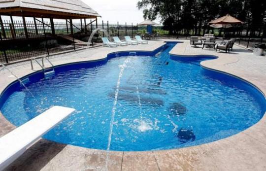 Dise o de piscina original ideas para decorar dise ar y for Diseno piscina