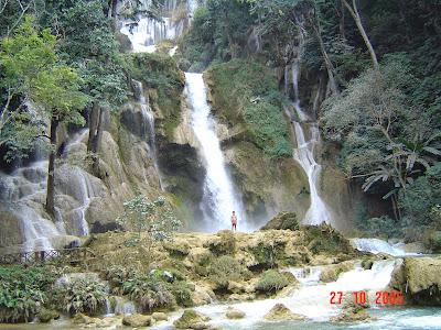 boyfriend in Tat Sae waterfalls near Luang Prabang