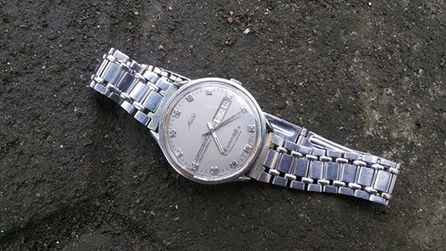 Mido chronometer