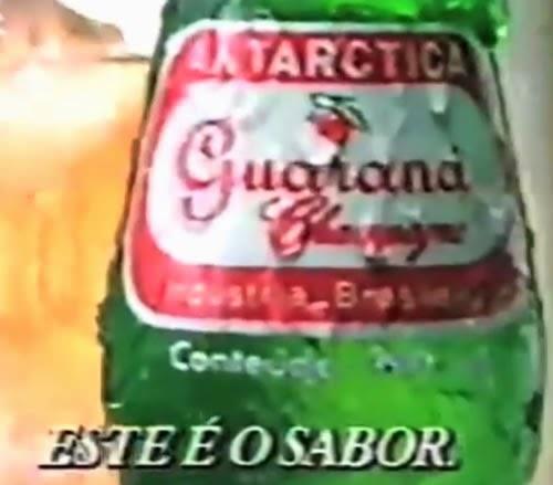 Propaganda do Guaraná Antártica de 1991 que faz uma perfeita combinação: pizza e guaraná.