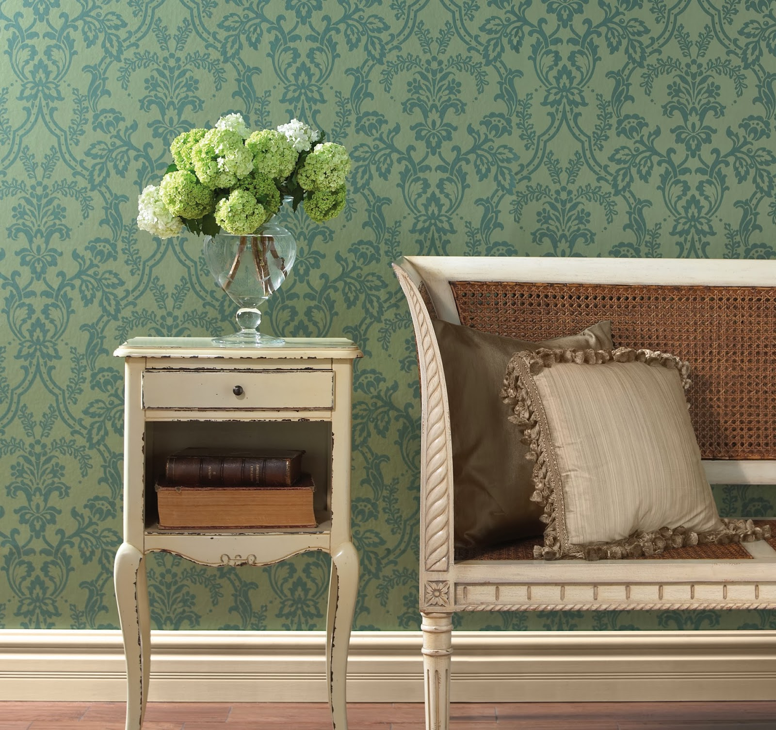 https://www.wallcoveringsforless.com/shoppingcart/prodlist1.cfm?page=_searchManufacturer.cfm&search=CCP1211&Submit.x=0&Submit.y=0