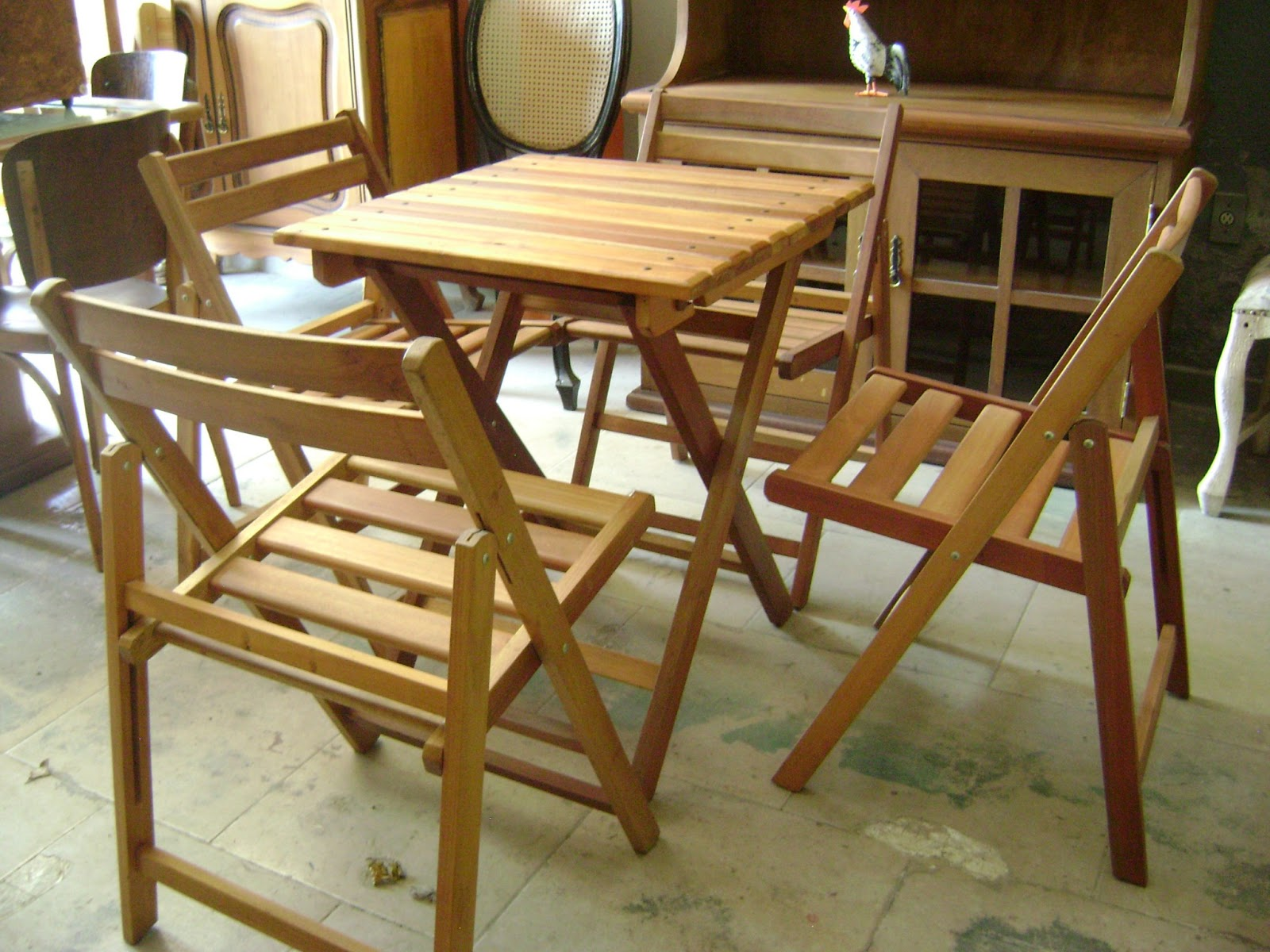 Mesas e cadeiras Portões de Madeira Maricá Móveis Maricá  #6A441D 1600x1200