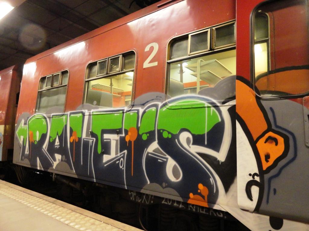 Graffiti Train Wallpaper