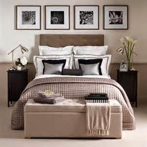 Kamar tidur utama minimalis ukuran 3x3 dengan konsep feminim bisa menjadi satu alternatif untuk memiliki ruang pribadi nyaman