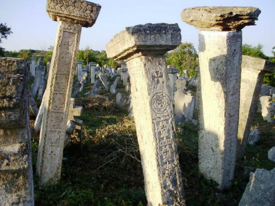 Надгробни споменици 9165_10200195574714740_1716467504_n
