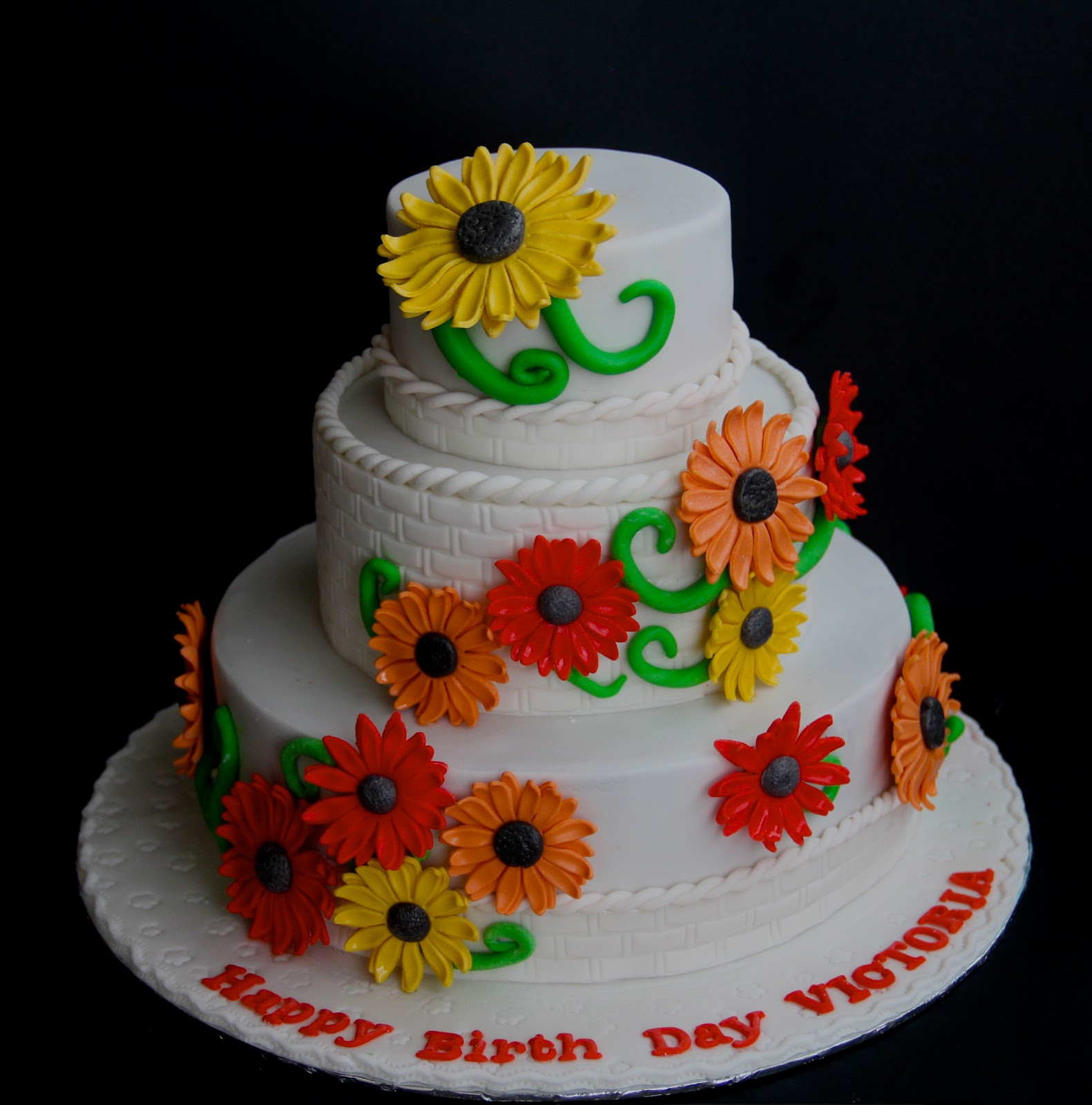 Emas Creation Daisy Flower Cake