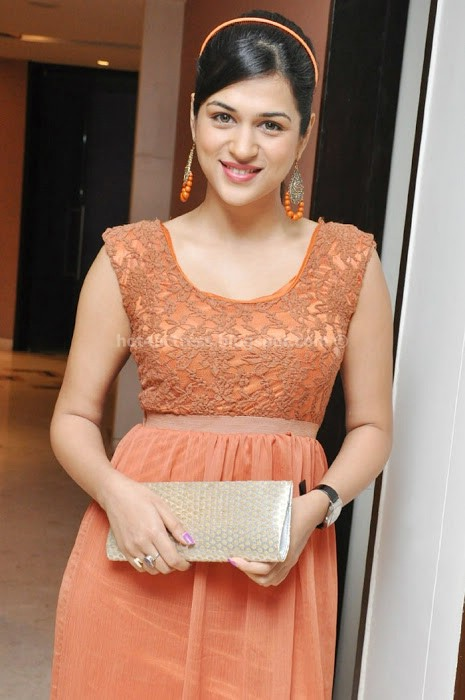 Shraddha das latest cute photos