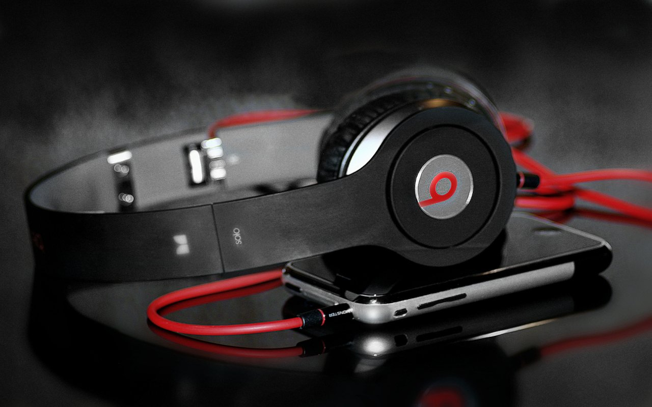 DRE BEATS WITH IPHONE