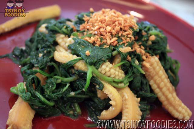sauteed spinach in oyster sauce