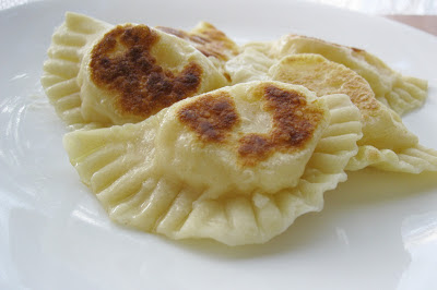 how to keep cooked pierogies from sticking together