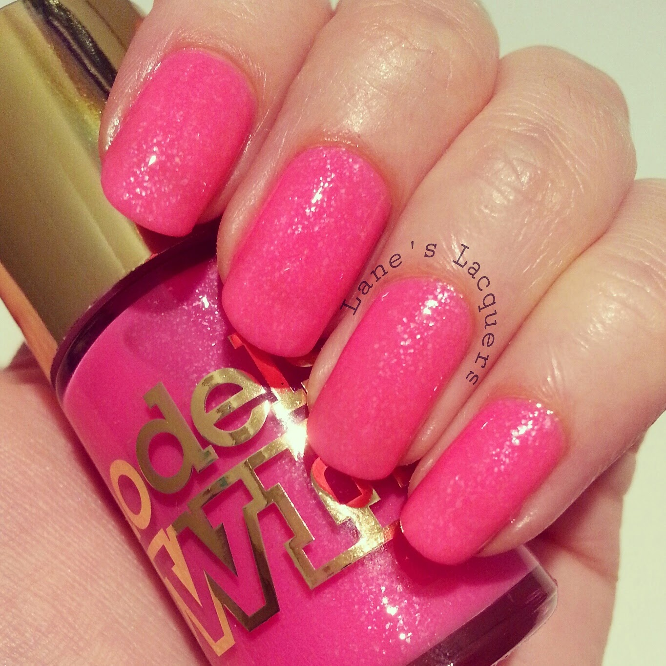 new-models-own-luxe-collection-radiant-pink-swatch-nails