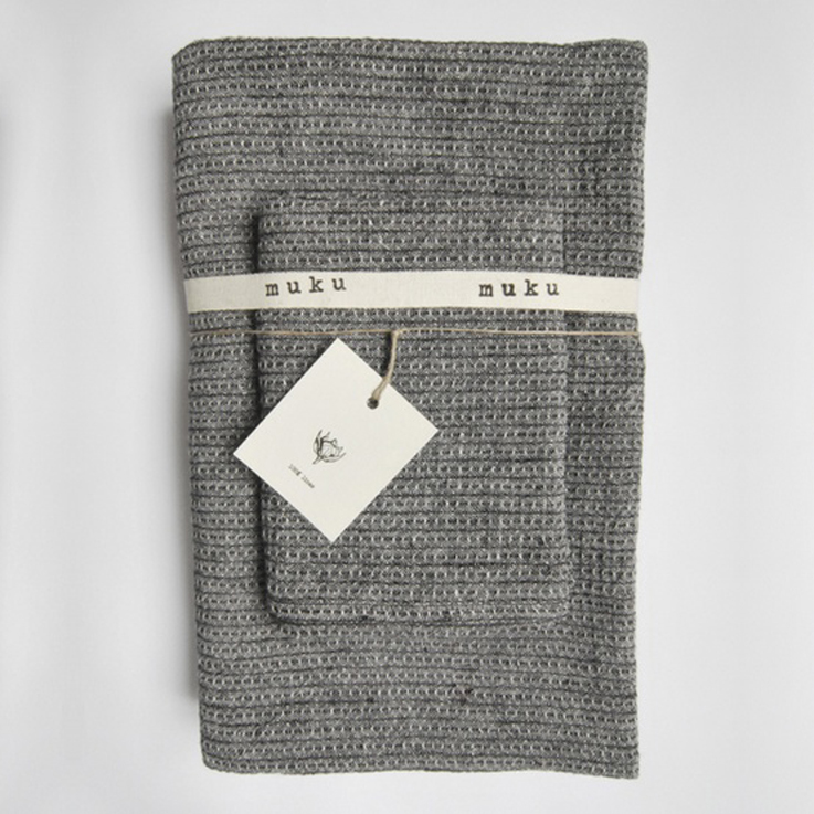grey towel by muku