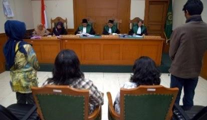Suasana sidang perceraian di pengadilan