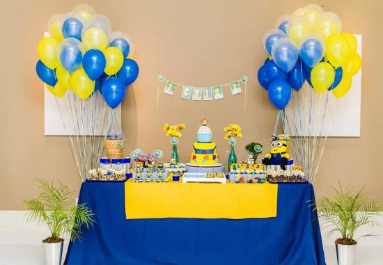decoracao festa infantil azul e amarelo:Maison du Chocolat: Inspiração Minions /Aniversário de João