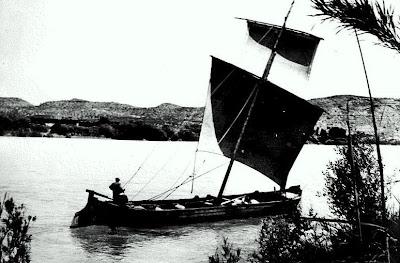 llauds embarcaciones delta ebro carrilet desembocadura rio ebro