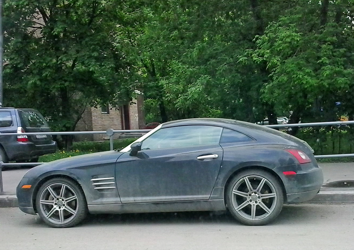 spotted cars in moscow chrysler crossfire. Black Bedroom Furniture Sets. Home Design Ideas
