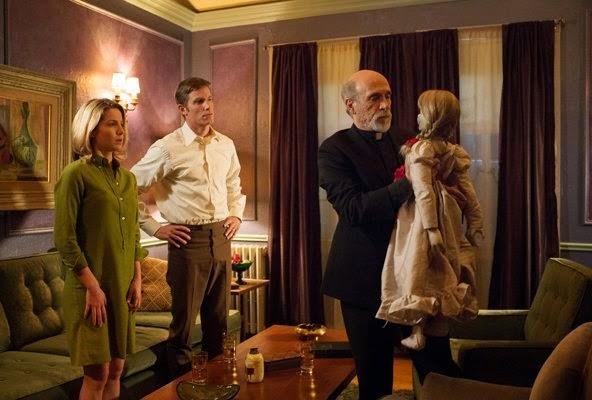 Annabelle, john form, mia form, muñeca, warren, el zorro con gafas