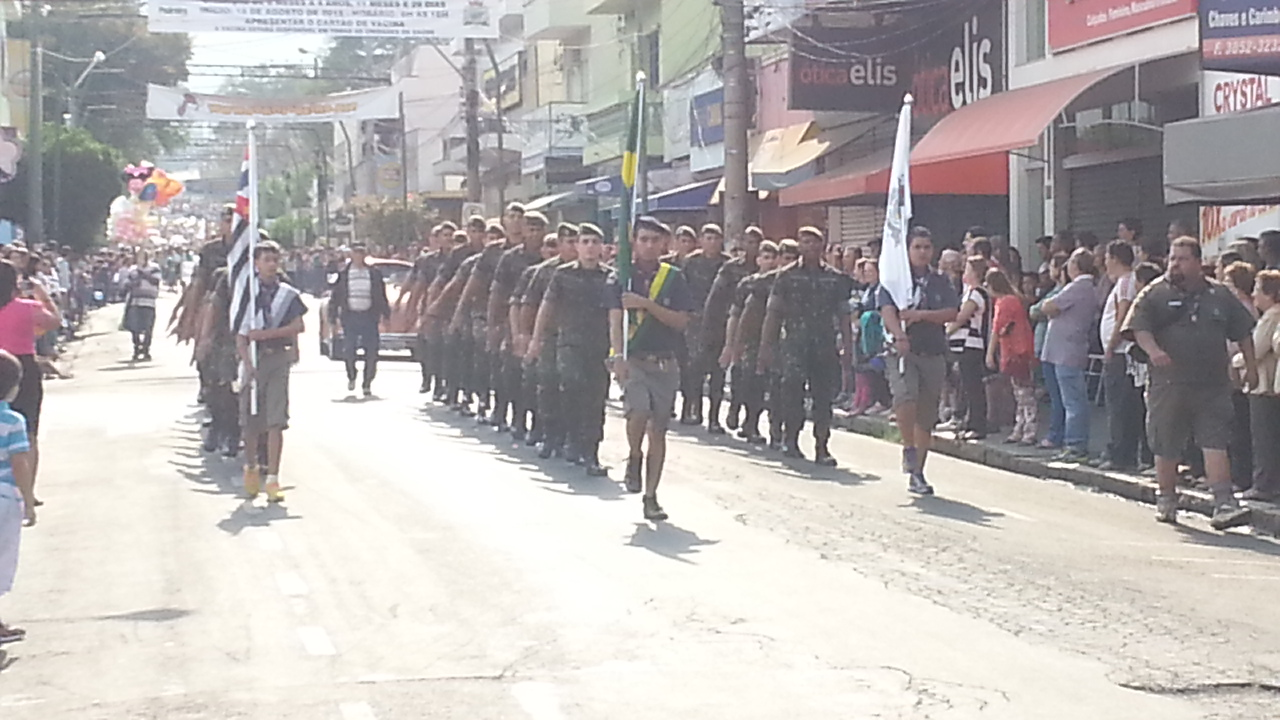 61d0bfd2eb No dia 07 de Setembro (data comemorativa da independência) nossa querida  cidade foi agraciada com um belo desfile realizado pelas escolas