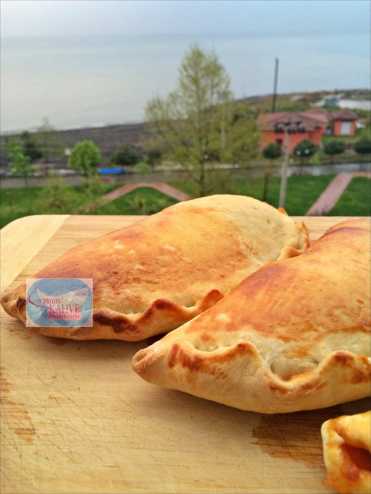 Kapalı İtalyan Pizzası , 'Calzone'