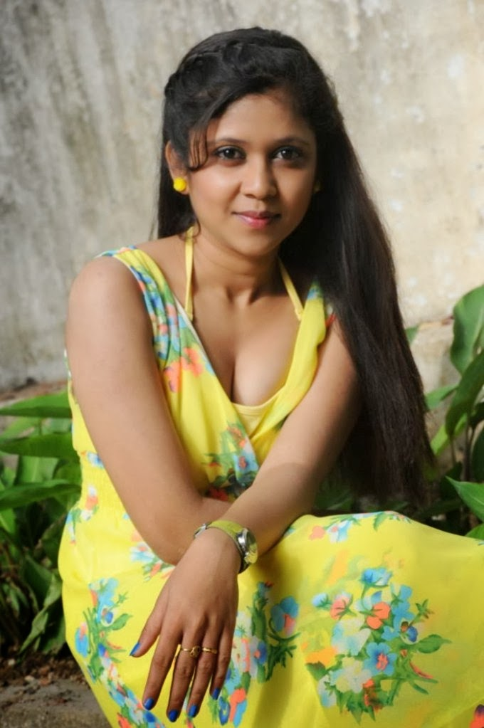 Big nak. hot actress boob tamil
