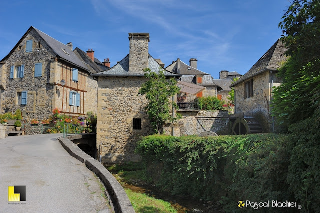 sainte eulalie d'olt en aveyron photo pascal blachier