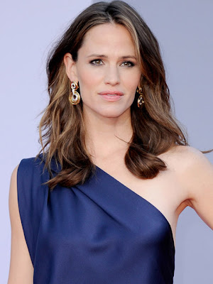 Jennifer Garner Gold Hoop Earrings