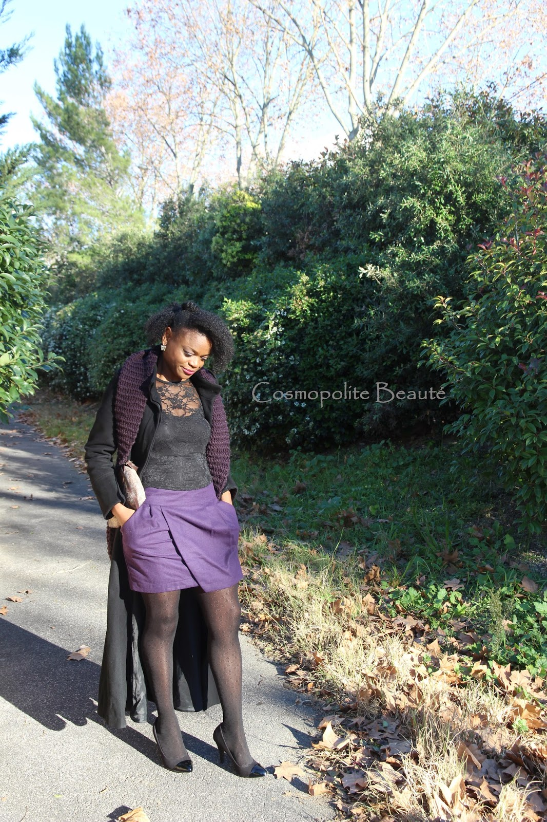 Cosmopolitan beauty, Cosmopolite beaute, lookbook, mode, fashion, look saint Valentin, écharpe, violet, jupe, skirt, scarf, kinky hair, cheveux bouclés, cheveux crepus, nappy