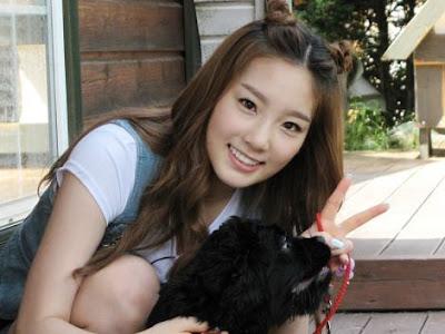 http://2.bp.blogspot.com/-SMFtpVNcf3M/TVnYNsciTSI/AAAAAAAAAM4/GMJn9R5Md_8/s1600/Kim+Tae+Yeon+SNSD+Girls+Generation+%25283%2529.jpg