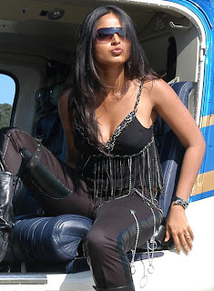 Anushka Shetty Black dress hottest image