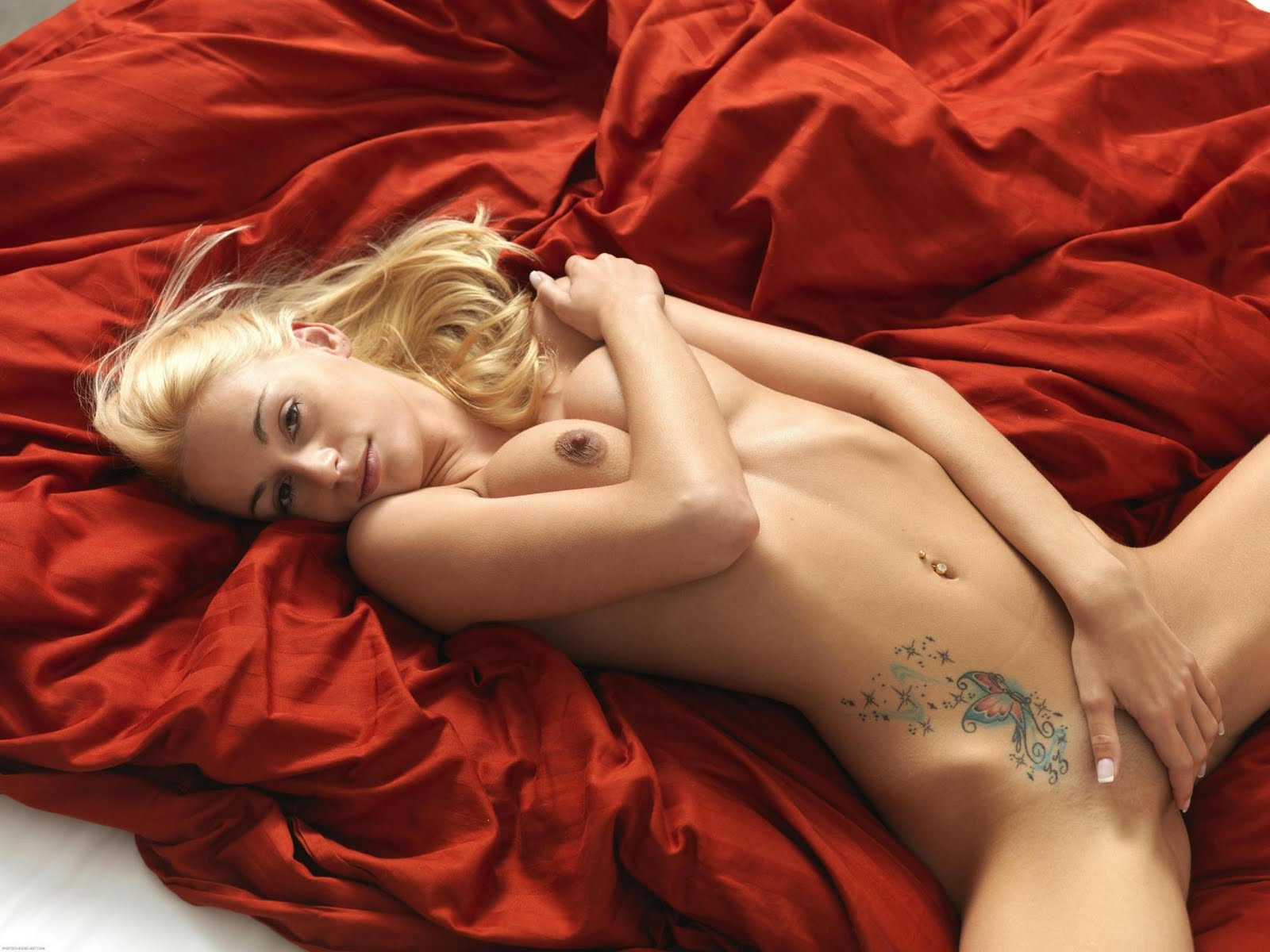 Hot Nude Blonde Girls With Tattoos