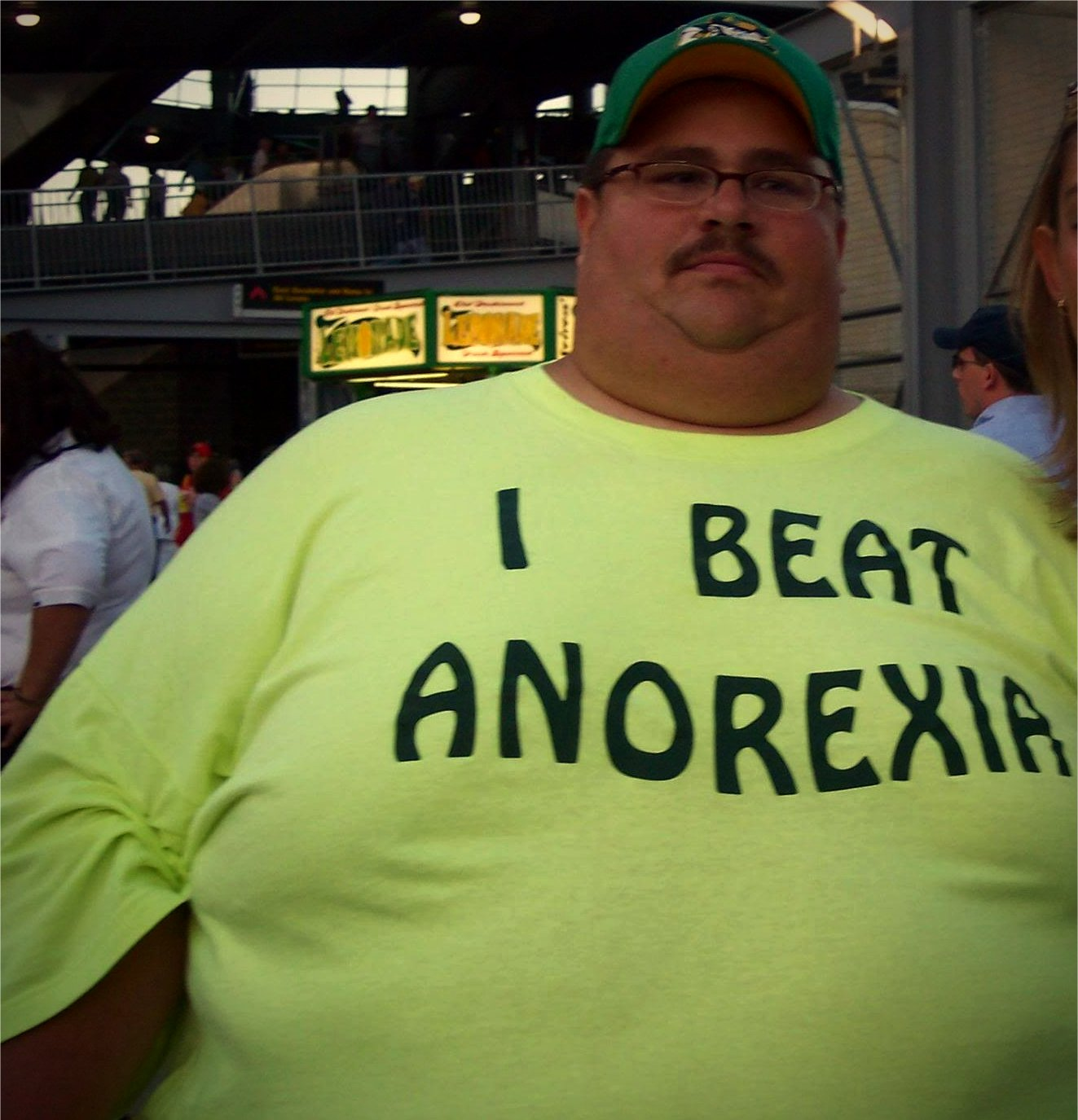 i-beat-anorexia-talking-t-shirts-fashion.jpg