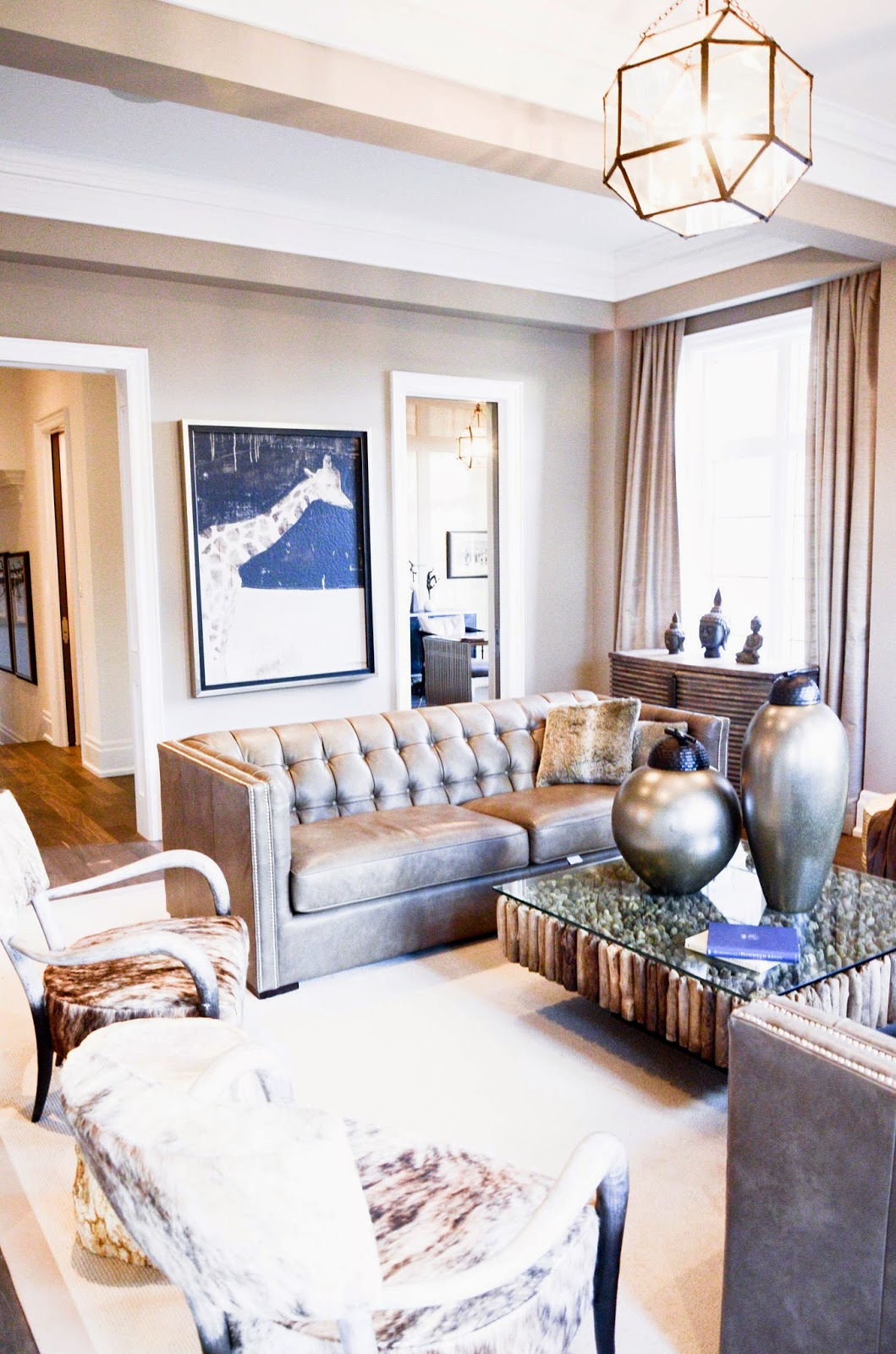 PMLOTTO KLEINBURG SHOWROOM: Cozy neutral and luxurious Family Room