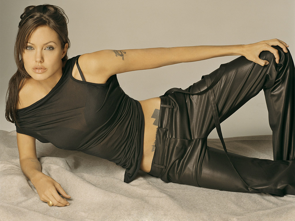 Top Beautiful Picswallpaper Of Angelina Jolie Soft Wallpapers