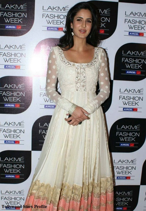 katrina kaif white dress photo gallery