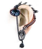 Steampunk Ear Cuff present