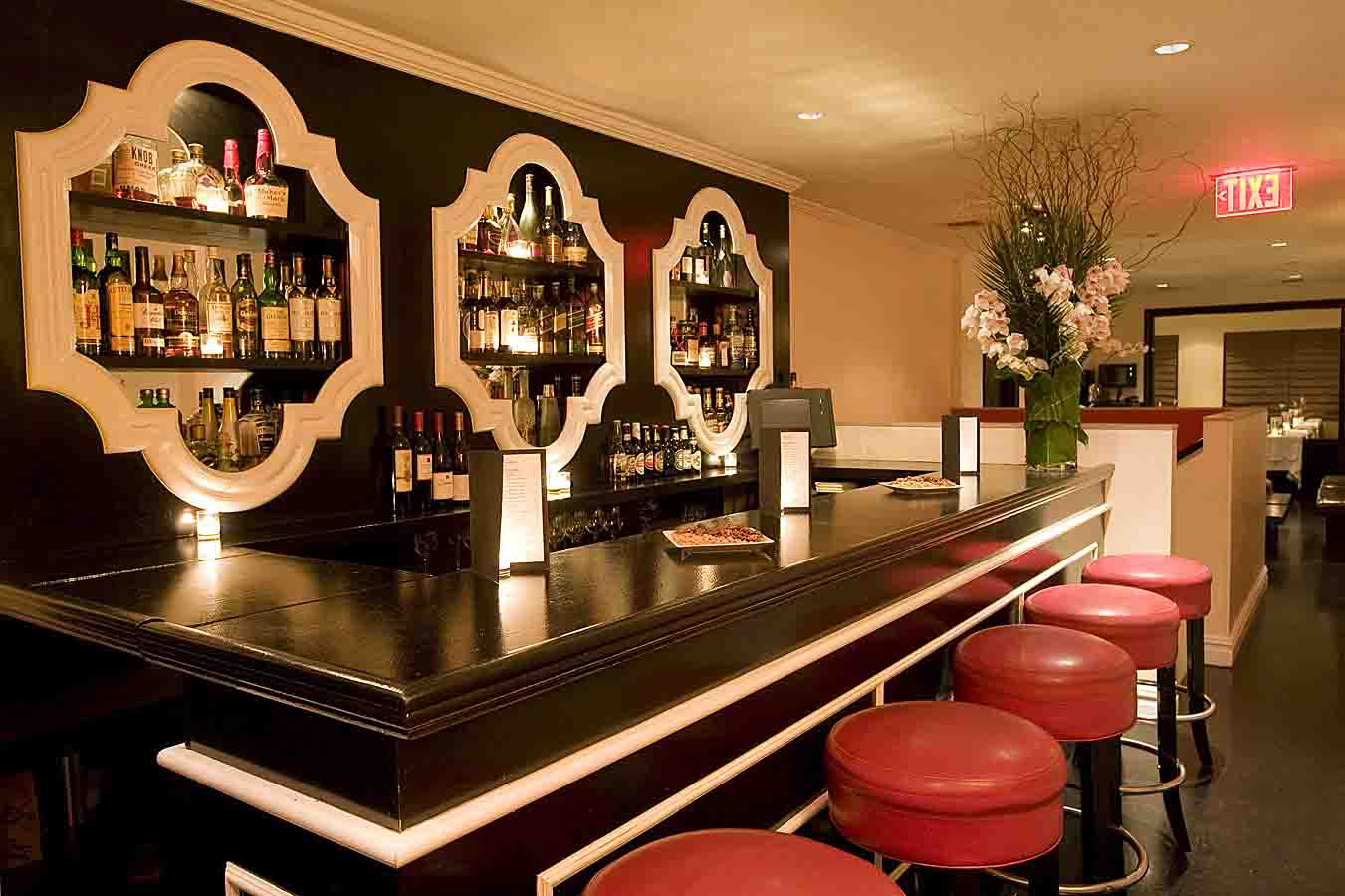 Deco Lounge Bar Restaurant. Perfect Rooftop Lounge Nd Level Bar With ...
