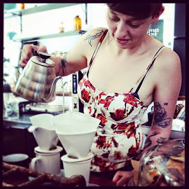 Steamy sundress & steaming hot Stumptown bee house brew at Heritage Bicycle and General Store.
