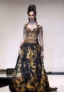 Gaun Pengantin Kebaya Batik Modern
