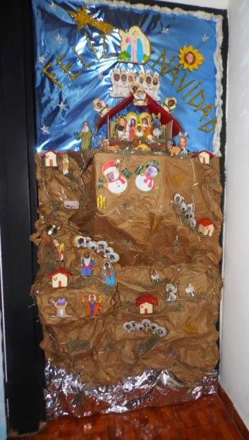 Decoracion reyes magos puerta for Puertas decoradas navidad material reciclable