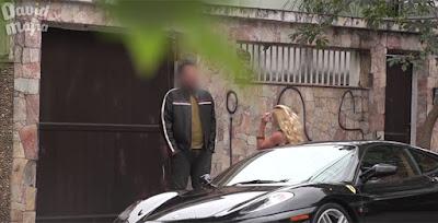 Δείτε πώς αντιδρούν οι άνδρες όταν τους φλερτάρει μια βραζιλιάνα με Ferrari.