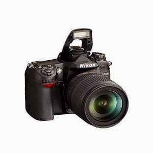 Amazon: Buy Nikon D7000 Camera with AF-S 18-105mm VR Kit Lens with 8GB Card and Bag Rs. 42999