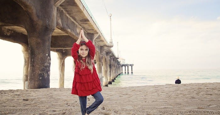 Goofyfoot photography beach yoga child photo session for Haute 8 yoga manhattan beach