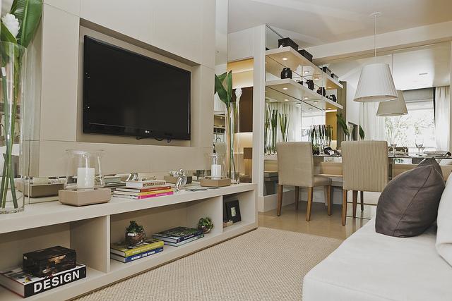 Fotos De Sala De Estar Apartamento ~ Em salas pequenas, você pode abrir mão de poltronas e jogos de