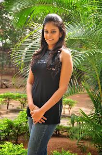 Chandini at kaalicharan premier show 011.jpg